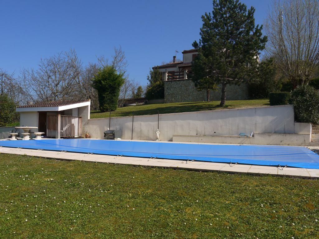 Immobilier villeneuve sur lot a vendre vente acheter for Acheter maison avec piscine