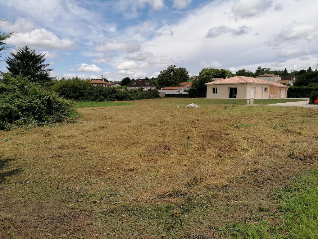 Terrain viabilisé Villeneuve Sur Lot rive droite de 947 m² dans quartier tranquille au calme