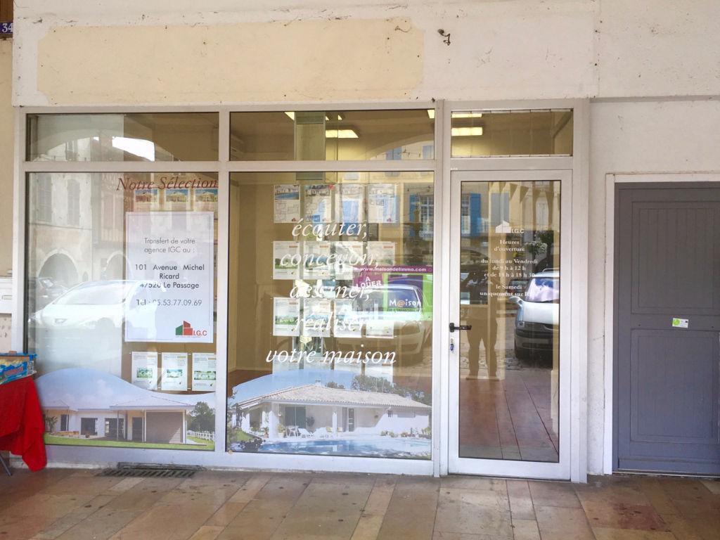Bureaux, local professionnel, local commercial, vitrine Villeneuve Sur Lot 70,10 m2