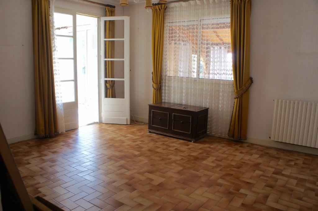 Maison de plain pied à Castelnaud De Gratecambe