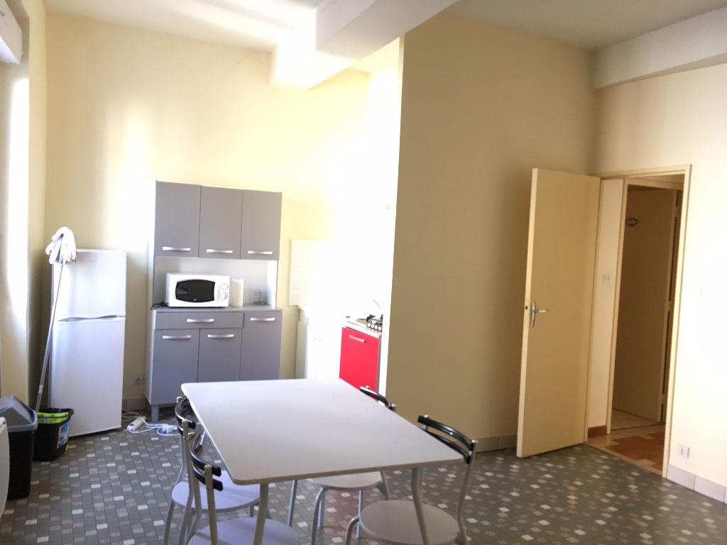 Castelmoron Appartement 2 pièce(s) meublé de 40,24 m2 au agréable, propre et au calme