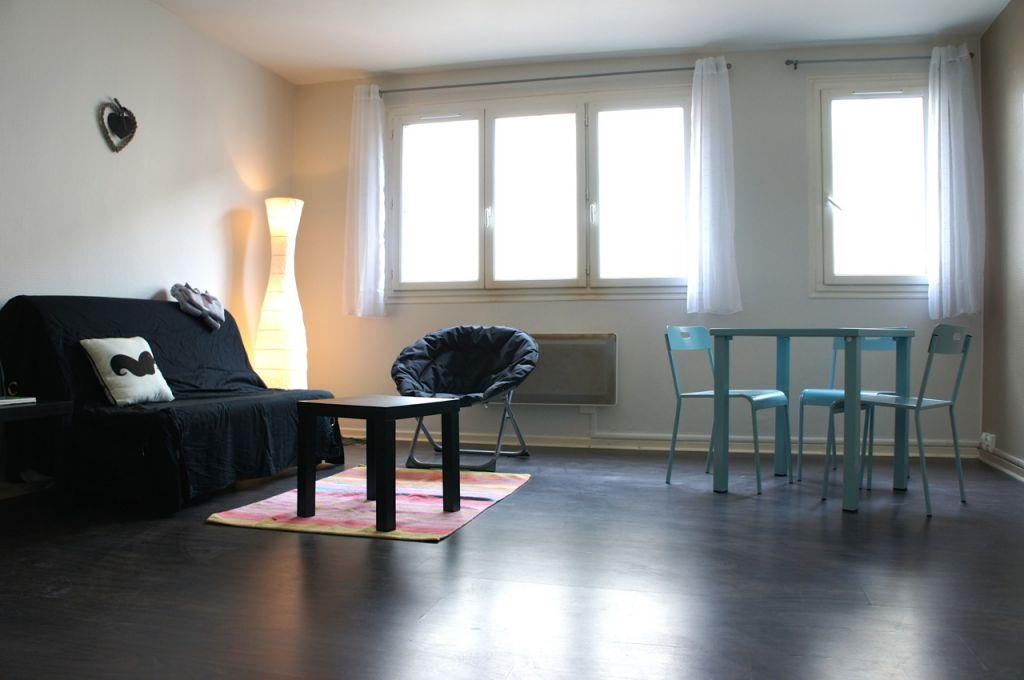 Appartement neuf meublé Villeneuve Sur Lot de  26 m²  dans rue tranquille en centre ville