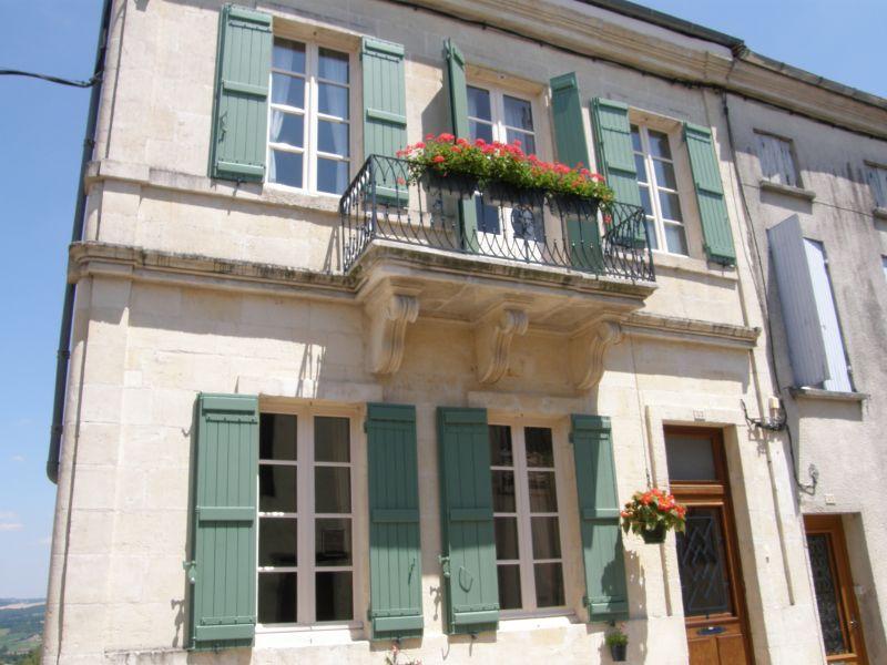 Belle Maison Bourgeoise de 175 m² avec charmant jardin avec vue dominante
