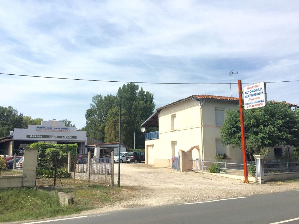 A acheter entre Sainte Livrade et Casseneuil , maison d'environ 142m2,comprenant 3 chambres,.