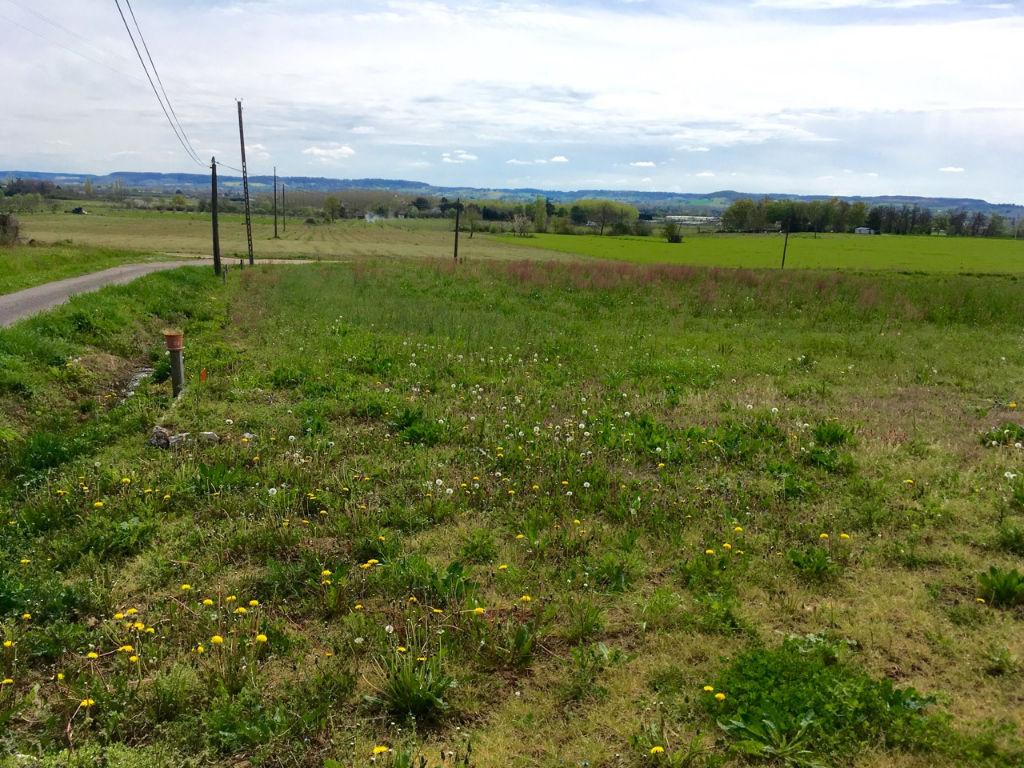 Terrain constructible commune de  Fongrave - parcelle de 1054 m2