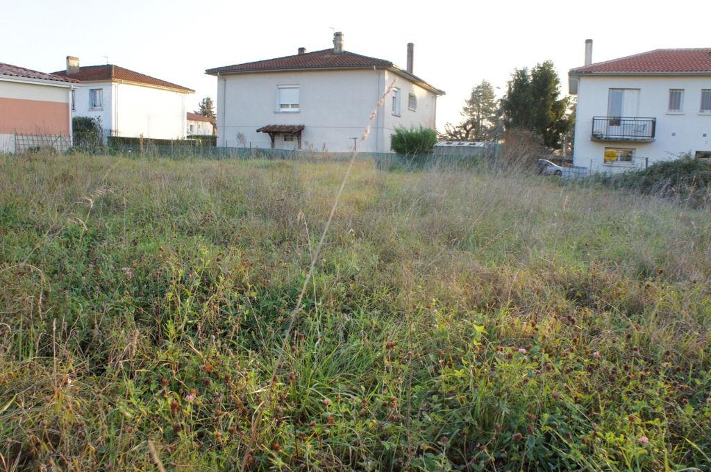 Terrain viabilisé Villeneuve Sur Lot rive droite de 1150 m² dans quartier tranquille au calme