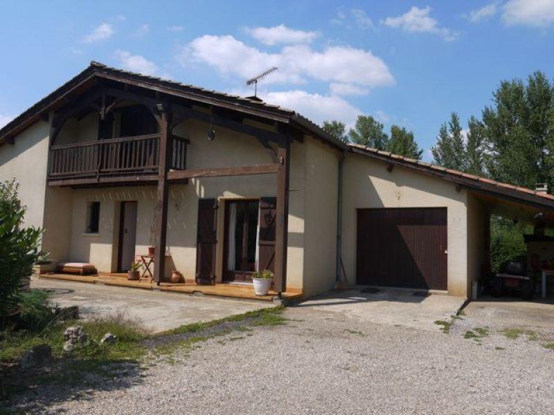Maison à vendre à Sainte Livrade Sur Lot avec 4 chambres sur 2500m² de jardin arboré et clôturé.